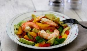 Salade d'hiver crevettes, avocat et mangue