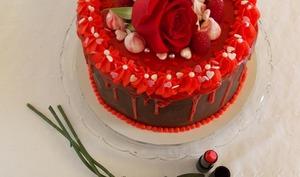 Gâteau de Saint-Valentin au chocolat cœur framboise