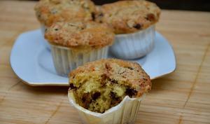 Muffins aux noisettes et pépites de chocolat