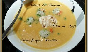 Velouté de butternut, noix de St Jacques persillées, crème au café