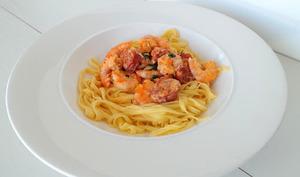 Crevettes sautées au chorizo et à la crème