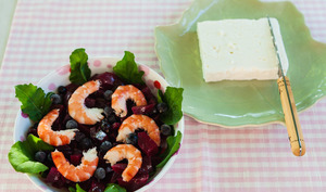 Salade de betteraves au cassis et aux crevettes