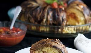 Végétarienne Timbale de riz avec Aubergine grillé et mozzarella