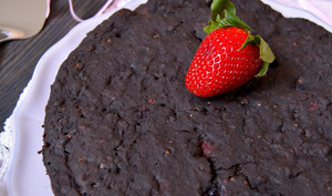 Fondant au chocolat noir et fruits rouges