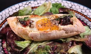 Egg boats tomates, champignons