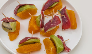 Bouchées de kiwis, oranges et magret de canard séché