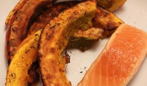 Potimarron rôti aux épices et saumon cuit à l'unilatérale