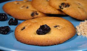 Cookies moelleux cerises noires séchées et farine de lin