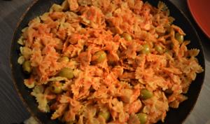 Poulet et Farfalles à la Sauce Tomate et Olives au Vin blanc