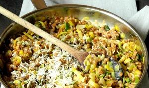 Poêlée d'épeautre et de poireau au Curcuma et Parmesan