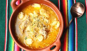 Soupe des Andes au maïs et au porc