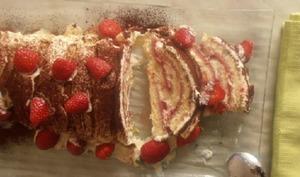 Gâteau roulé aux fraises et mascarpone