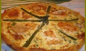 Tarte aux asperges et au fromage de chèvre.