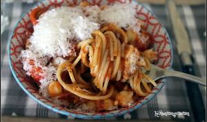 Spaghetti à la crème de poivrons et pois chiches