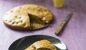 Gâteau moelleux au thé vert matcha et cerises griottes