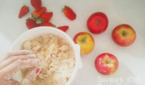 Crumble Pommes, Fraises avec un peu de Gingembre et de Menthe