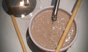 Crème de sardine pour l'apéritif à l'ail et aux capres