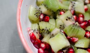 Salade de kiwi et de grenade à la vanille
