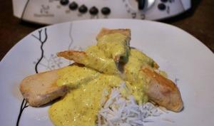 Aiguillettes de poulet, sauce curry et riz