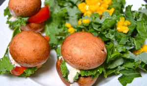 Mini hamburgers crus de champignons blonds