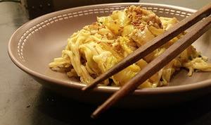 Nouilles Chinoises au poulet et choux chinois