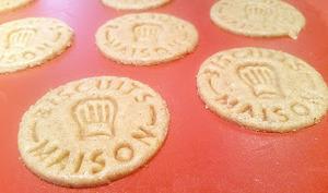 Petits Sablés à la farine semi complète et au miel