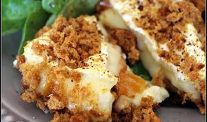 Camembert farci aux fruits secs et pané en croute d'épices