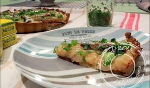 Tarte au blé noir aux oignons doux et sardines à l'huile