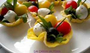 Mini salade caprese en bouchée apéritive