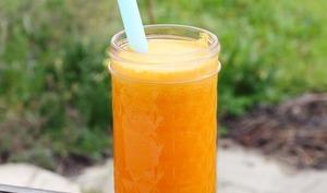 Jus de carottes, orange, citron vert et gingembre