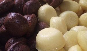 Mini gâteaux au chocolat et à la vanille