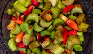Crumble fraises et rhubarbe