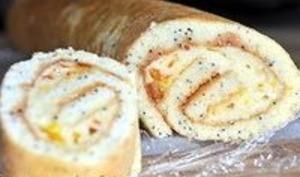 Biscuit roulé aux graines de pavot - Garnir et rouler le biscuit