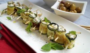 Roulés de courgette grillée, fourrés au fromage de chevre frais a la menthe
