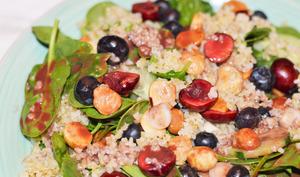 Salade myrtille, cerise et épinard