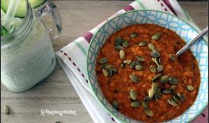 Soupe de lentilles corail à la tomate, lait de coco et curry