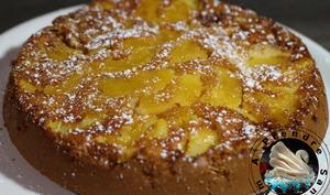 Gâteau portugais aux pommes caramélisées