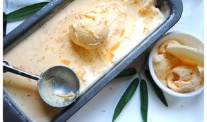 Glace aux abricots, mascarpone et romarin