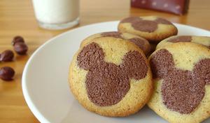 Sablés Mickey au chocolat et à la noisette