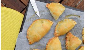 Empanadas aux épinards et au bruccio
