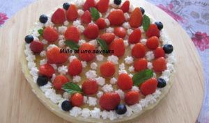 Tarte fraises rhubarbe et sa crème d'amandes