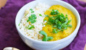 Dahl du placard aux lentilles corail, lait coco et curry