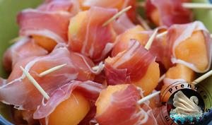 Billes de melon au jambon cru