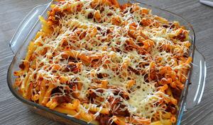 Gratin de Macaronis aux Tomates Séchées, Poivrons Rouges et Chorizo