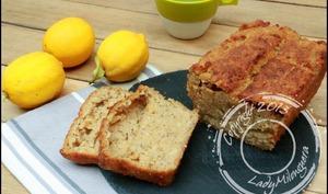 Cake au citron, flocons de riz et graines de chia