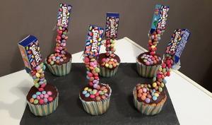 Gravity cupcake