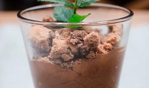 Mousse au chocolat façon pot de menthe fraîche