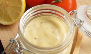 Vinaigrette citron, moutarde grain et huile d'olive