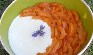 Crème à la lavande et abricots poêlés