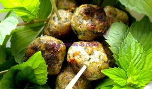 Petites boulettes de viande pour l'apéro et sauce tarator